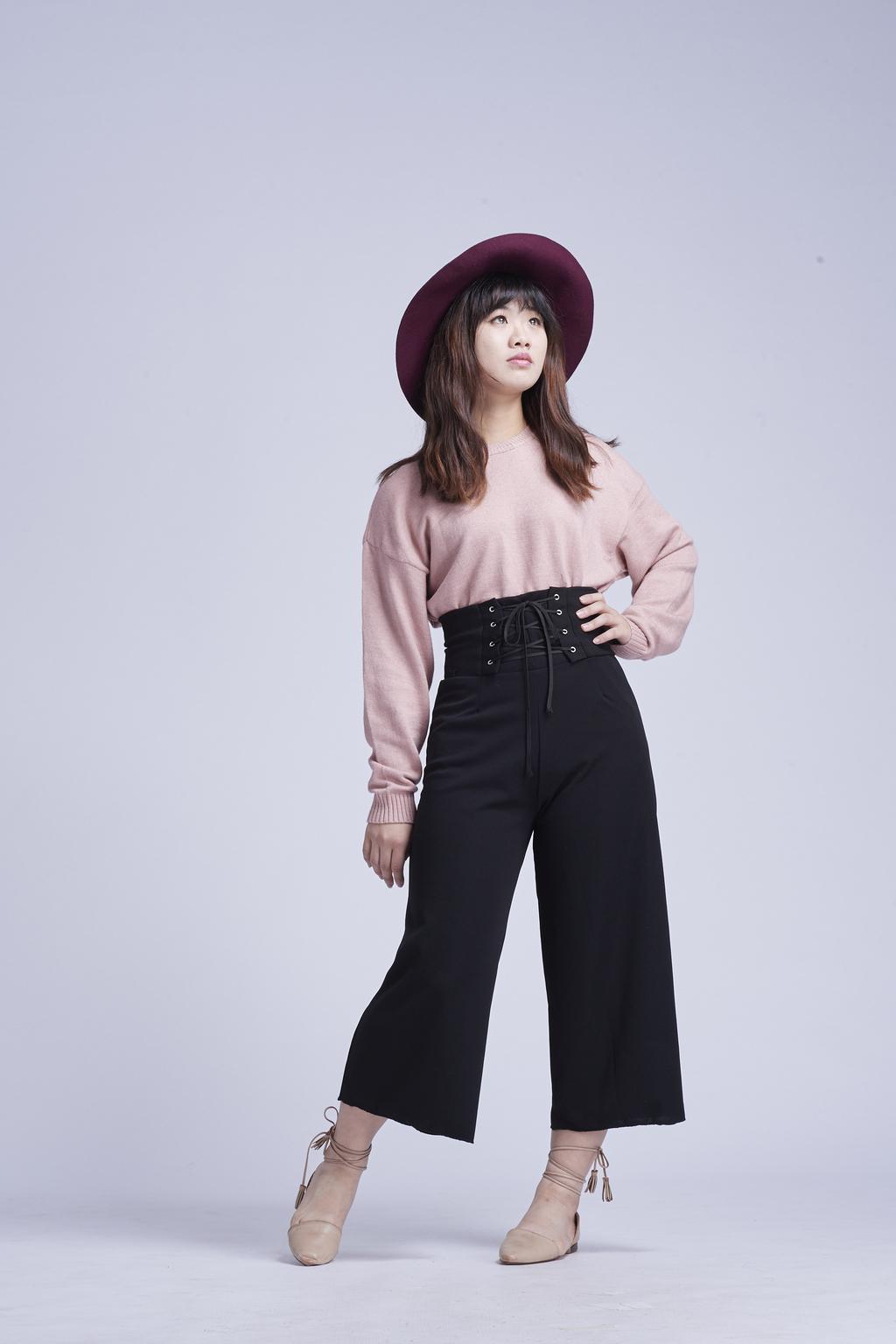 袖口羅紋針織衫